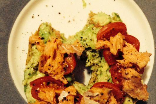 5-Ingredient Super Fresh Salmon Avocado Bagel