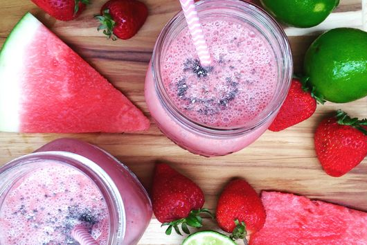 STRAWBERRY CHIA WATERMELON SMOOTHIE
