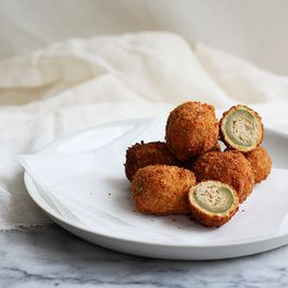 Deep-Fried Stuffed Olives (Olive all'Ascolana)