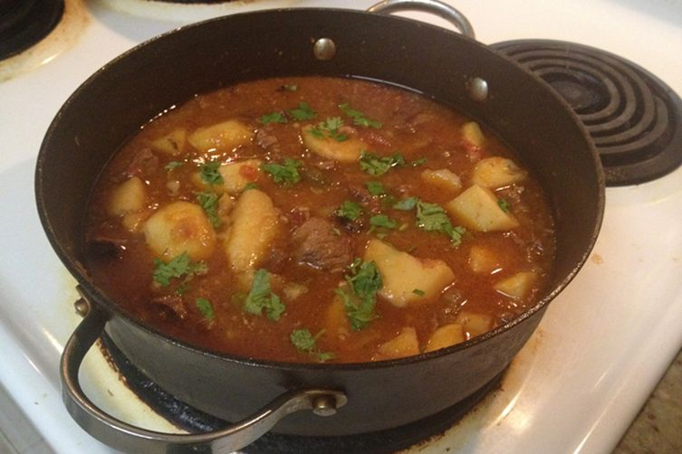 Aloo Gosht (Pakistani Beef and Potato Stew)