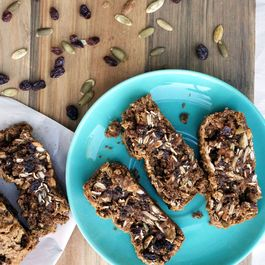 Pumpkin Seed Oatmeal Raisin Cookie Bars