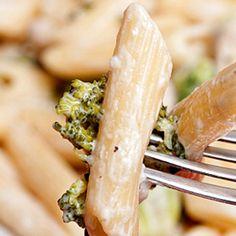 Creamy Roasted Garlic Chicken and Broccoli Pasta