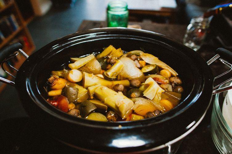 Crock Pot Vegetable Stock