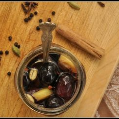 Chai-Spiced Pickled Grapes