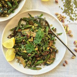 Mung beans salad with green veg & pistachios