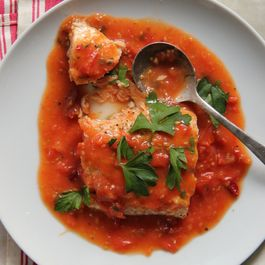 42e08499 88fc 4e53 93a8 c245369024a9  201503 xl slow baked salmon in fresh tomato sauce