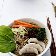 Star anise and vegetables soba noodles