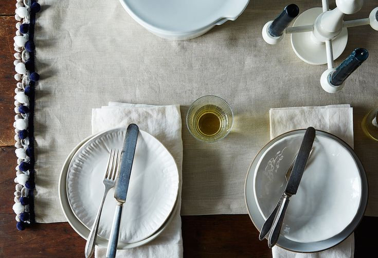 How to Navigate Dinner Party Seating Politics