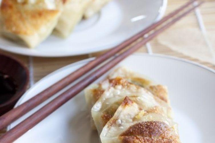 Broccoli-ginger dumplings