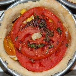 Picnic in a pie: Tomato, Corn, Basil and Bacon Pie