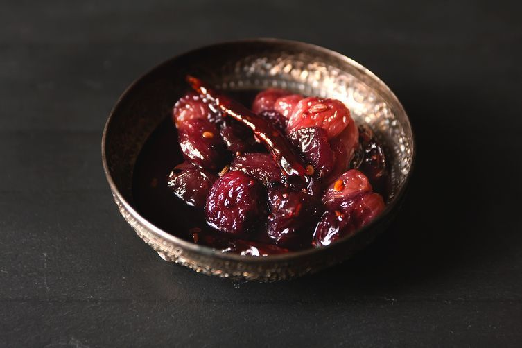 sweet & spicy grape chutney