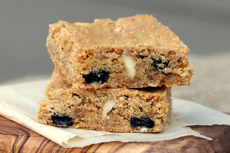 Crispy cream blueberry blondies with macadamia nuts recipe for Food52 bar nuts