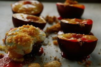 2bf28ec8 2e22 4b24 b72a 658eb49afe57  baked plums