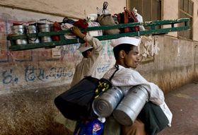 45e463e7 f60b 4153 9430 d69b47fe96f9  1024px mumbai dabbawala or tiffin wallahs 200 000 tiffin boxes delivered per day