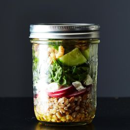 How to Pack a Jar Salad