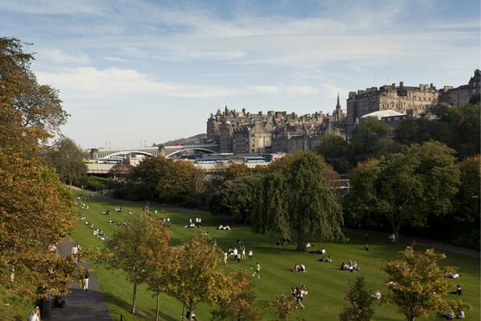 The Best Way to Spend a Weekend in Edinburgh, According to a Scot