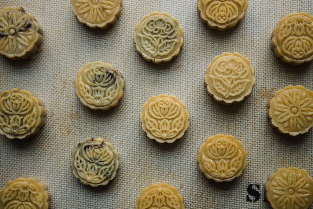 How to Make Traditional Cantonese Mooncakes at Home