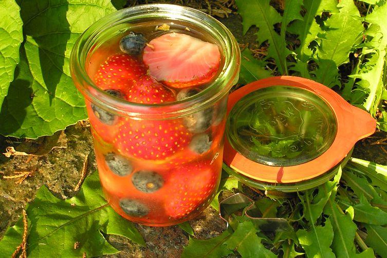 Herbed berries in wine