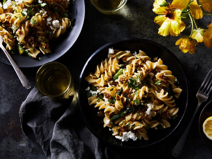 A Mean, Green Spring Pasta Starring Your New Fave French Sauce