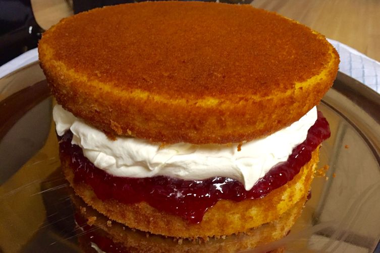 The Bestest Queen Victoria Sponge Cake