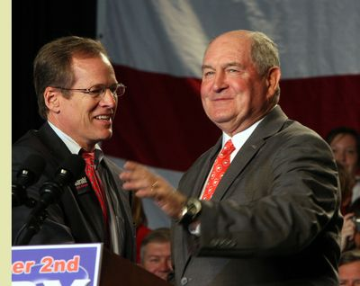 Former Georgia Governor Sonny Perdue (right) and former US Representative Jack Kingston (left).