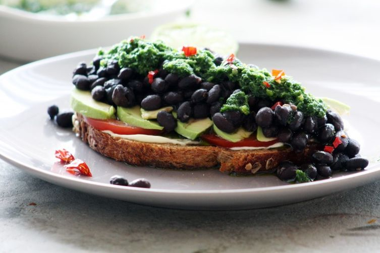 Super Black Bean Sandwich