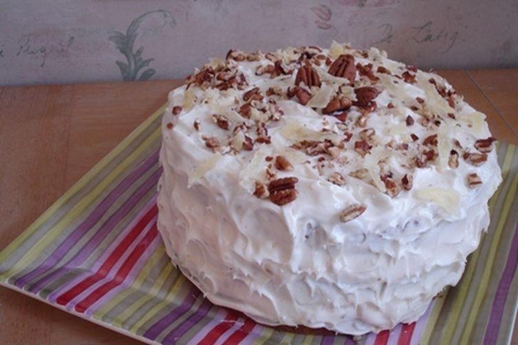 happy hummingbird cake with coconut rum cream cheese