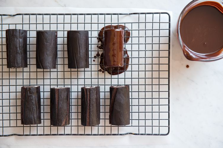 Chocolate Roll Snack Cakes