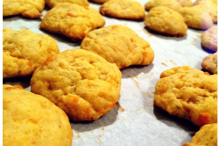 Spicy Cheddar Cheese Crackers