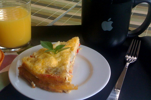 Red pepper egg cake (oven omelette)