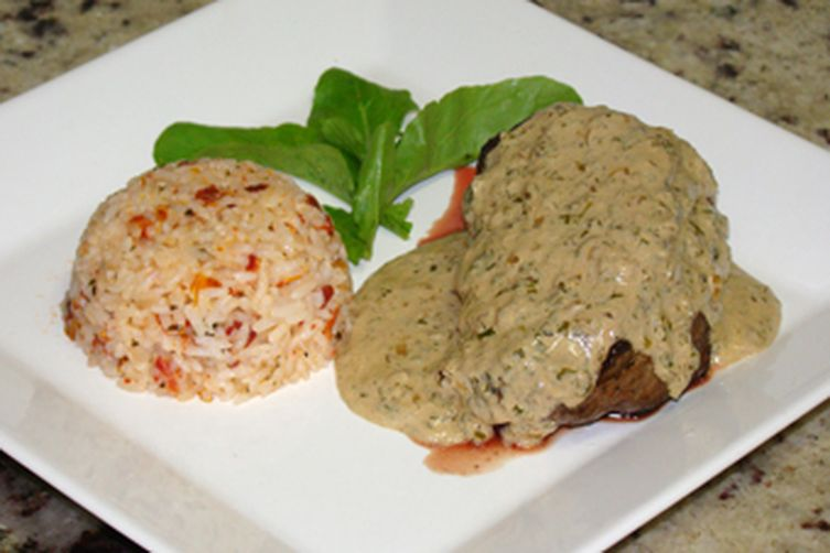 FILET MIGNON WITH ROCKET PLANT SAUCE AND SUNDRIED TOMATO RISOTO
