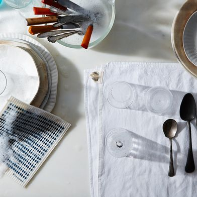 What's the Best Way to Wash Dishes?