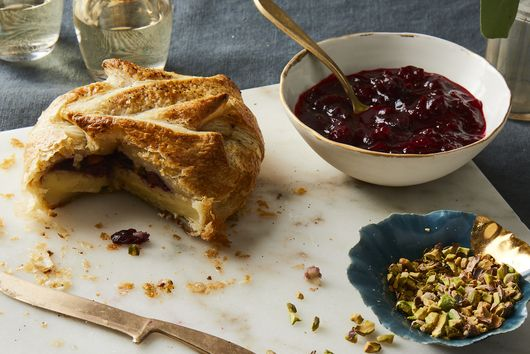 Baked Brie in Puff Pastry With Cranberries, Pistachios & Sumac