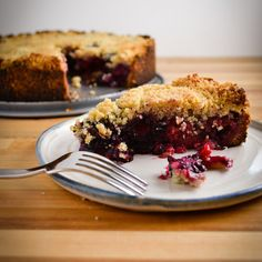 Berry Crumb Pie