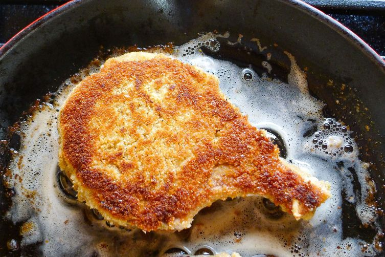 Super Juicy Crusted Pork Chops with Fennel Pollen