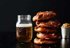 C289fc43 40a4 415d a947 df91bf2fe09a  2015 0914 how to make homemade pretzels bobbi lin 10083