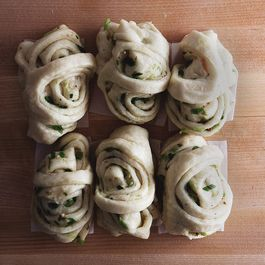 Steamed Scallion Rolls