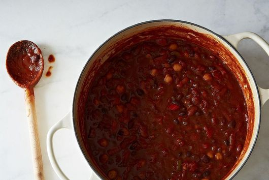 6 Essentials For Quick-Assembly Chili Mac