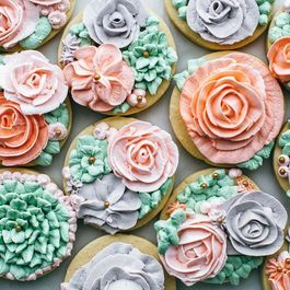 Stare at These Desserts That Look Like Bouquets