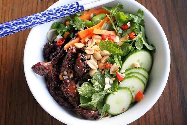Vietnamese Grilled Pork with Noodles (Bún Thịt Nướng)
