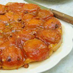Apricot tarte Tatin with pistachios