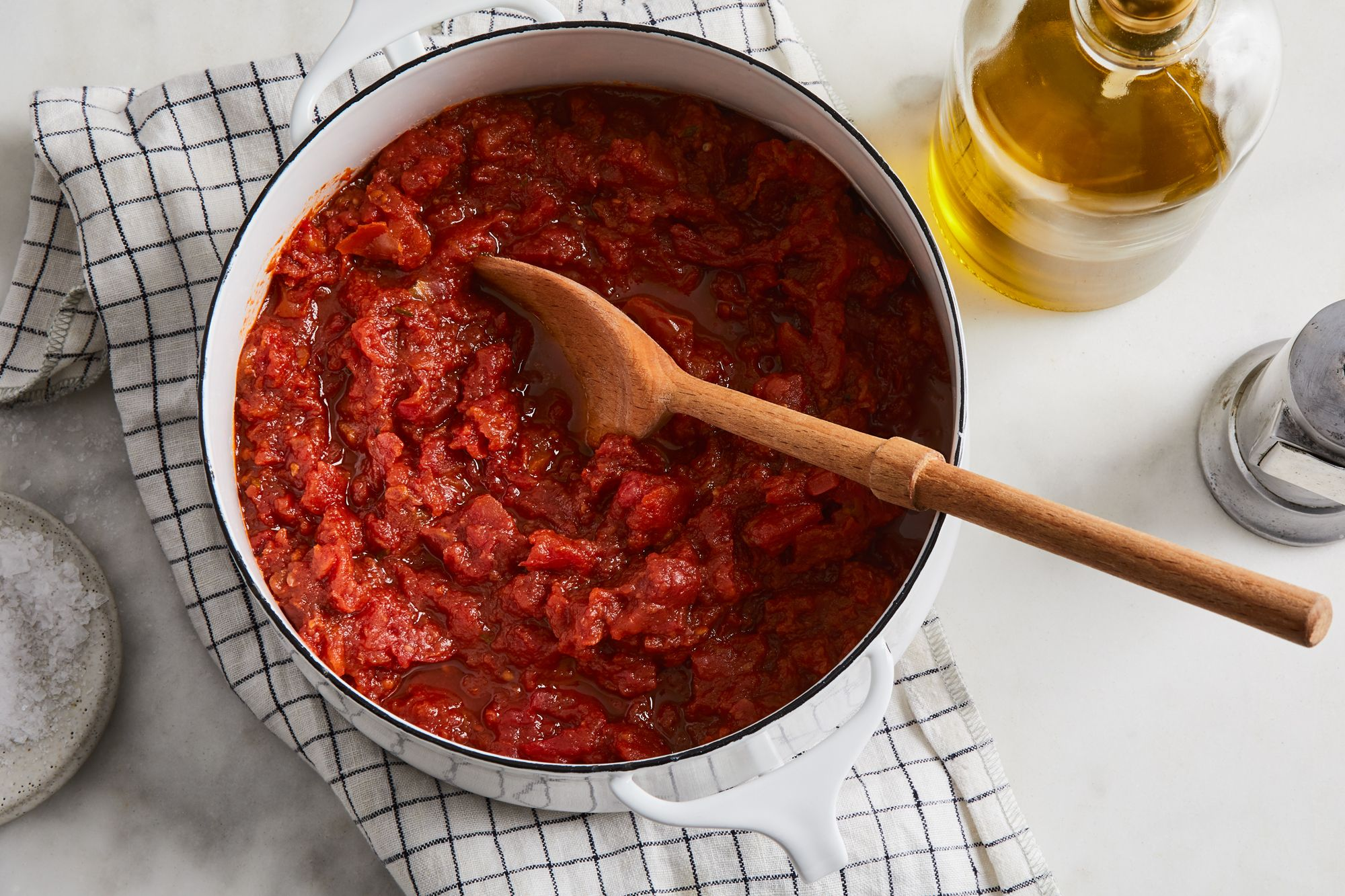 Jammy Tomato Sauce Is a Hands-Free Miracle