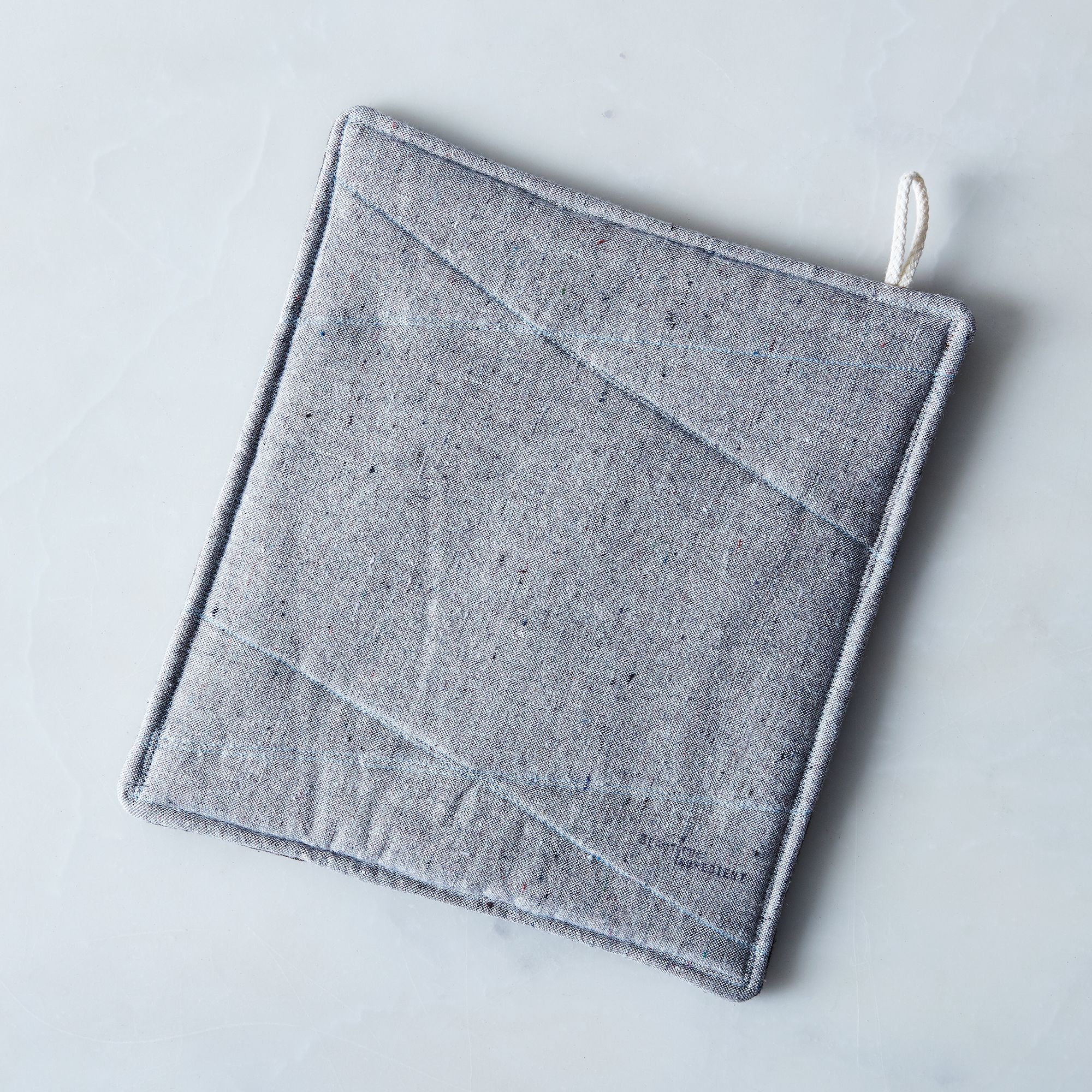 C726b20a 1834 4140 be1c 099e69f0fa2d  2016 1123 beautiful ingredient grey reversible large trivet detail silo rocky luten 214