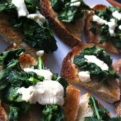 Mommy's Yummy Green Toast (Spinach Crostini to the Grown-Ups)