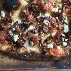 Date, Prosciutto and Cheese Pizza