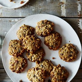 273b0547-a8dc-489c-b27c-f3459e27df58.2015-0706_oatmeal-cookies_james-ransom-011