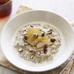Quinoa, Oat and Chia Porridge