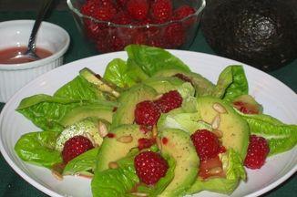 6a98adb5 7fc9 4fa4 ad17 b6a544667f3c  avocado raspberry salad