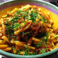 Umido di Cipolla (Pasta with Onions and Tomato)