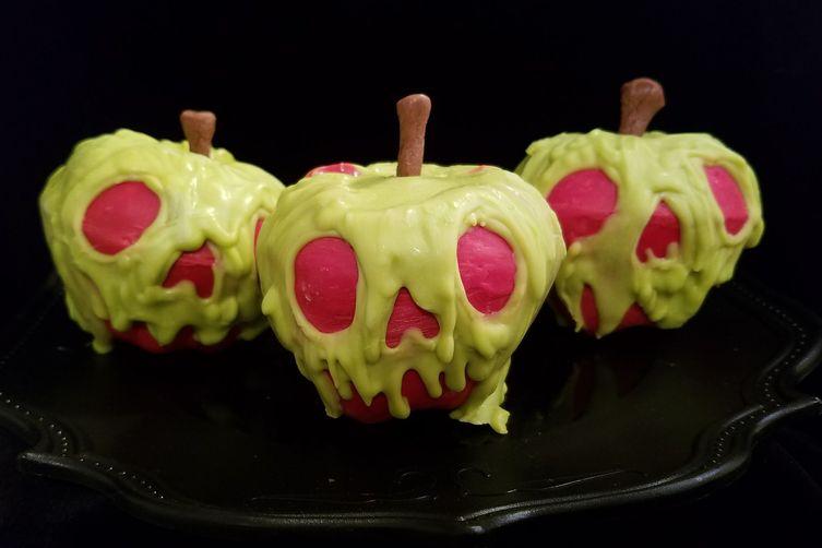 Cinnamon-Spiced Poison Apple Cupcakes